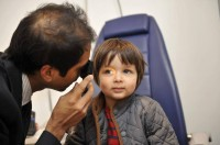 Child ophthalmoscospy